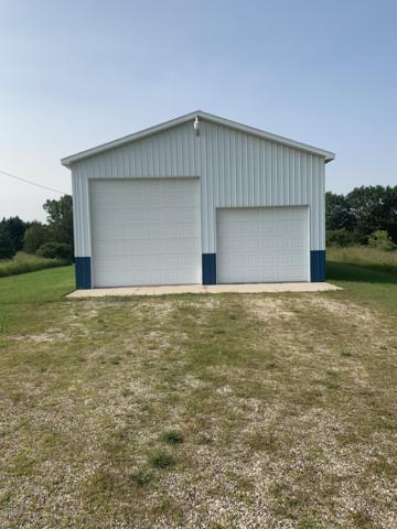 1404 Cutler Road, Six Lakes, MI 48886 (MLS #19033188) :: JH Realty Partners