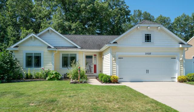 2527 Lawncrest Drive NE, Grand Rapids, MI 49505 (MLS #19033201) :: JH Realty Partners