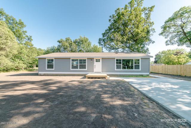 2439 Fam Lee Drive, Muskegon, MI 49442 (MLS #19033253) :: Deb Stevenson Group - Greenridge Realty