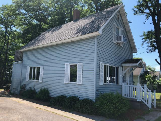 219 W W. Parkdale Ave Road, Manistee, MI 49660 (MLS #19033258) :: Deb Stevenson Group - Greenridge Realty