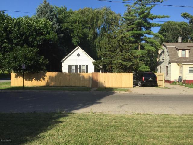 416 Garfield Avenue NW, Grand Rapids, MI 49504 (MLS #19033286) :: Deb Stevenson Group - Greenridge Realty