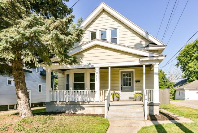 911 College Avenue NE, Grand Rapids, MI 49503 (MLS #19033479) :: Deb Stevenson Group - Greenridge Realty