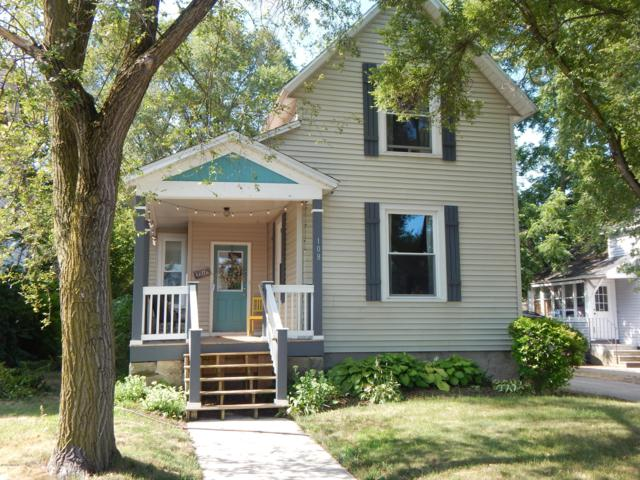108 W 17th Street, Holland, MI 49423 (MLS #19033489) :: Deb Stevenson Group - Greenridge Realty
