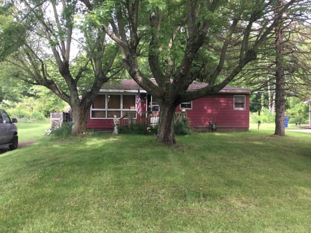1614 Kay Drive, Benton Harbor, MI 49022 (MLS #19033497) :: Deb Stevenson Group - Greenridge Realty