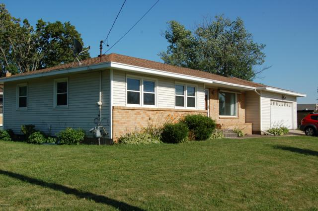 3614 Poinsettia Avenue SE, Grand Rapids, MI 49508 (MLS #19033553) :: Deb Stevenson Group - Greenridge Realty
