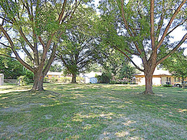 1051 Vinewood Drive, St. Joseph, MI 49085 (MLS #19033557) :: CENTURY 21 C. Howard