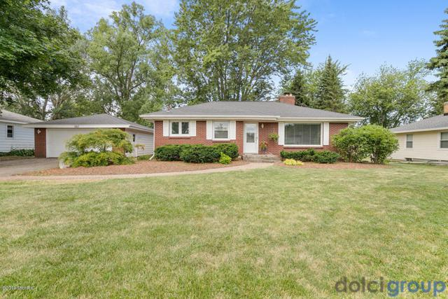 262 Country Club Road, Holland, MI 49423 (MLS #19033566) :: Deb Stevenson Group - Greenridge Realty