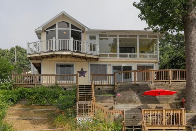 196 Crooked Lake Drive W, Kalamazoo, MI 49009 (MLS #19033622) :: Matt Mulder Home Selling Team