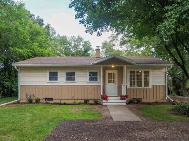 602 Marsh Road, Plainwell, MI 49080 (MLS #19033624) :: Matt Mulder Home Selling Team