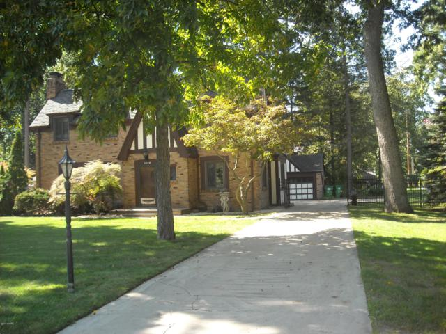 1000 Capital Avenue SW, Battle Creek, MI 49015 (MLS #19033914) :: Matt Mulder Home Selling Team