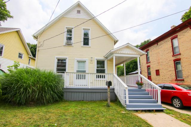 342 Page Street Nw Street NE, Grand Rapids, MI 49505 (MLS #19034095) :: Deb Stevenson Group - Greenridge Realty