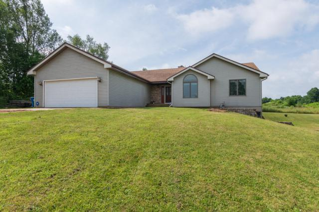 86 106th Avenue, Plainwell, MI 49080 (MLS #19034123) :: Matt Mulder Home Selling Team