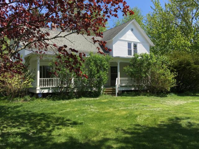 18075 Mt Zion Road, Galien, MI 49113 (MLS #19034178) :: Deb Stevenson Group - Greenridge Realty