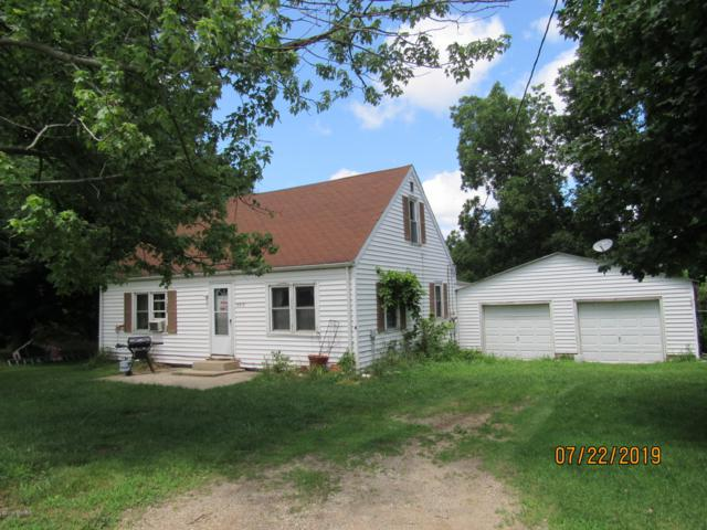 8819 Danneffel Road, Watervliet, MI 49098 (MLS #19034438) :: Deb Stevenson Group - Greenridge Realty