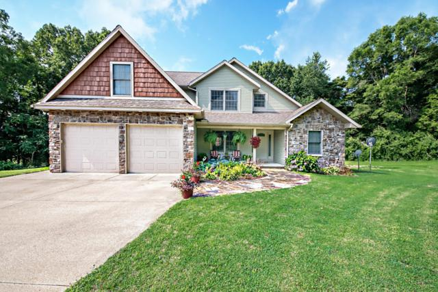700 Oak Crest Lane, Benton Harbor, MI 49022 (MLS #19034990) :: Deb Stevenson Group - Greenridge Realty