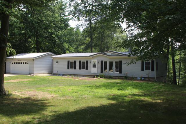 14390 Cooper Creek Drive NE, Gowen, MI 49326 (MLS #19035594) :: CENTURY 21 C. Howard