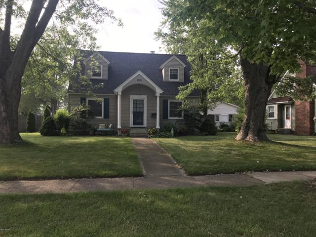 1302 Mills Avenue, North Muskegon, MI 49445 (MLS #19035706) :: Deb Stevenson Group - Greenridge Realty
