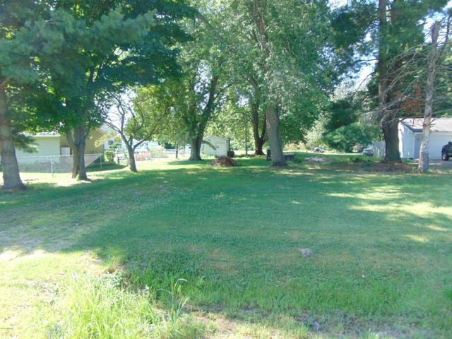 58081 Center Court Court, Bangor, MI 49013 (MLS #19036253) :: Deb Stevenson Group - Greenridge Realty