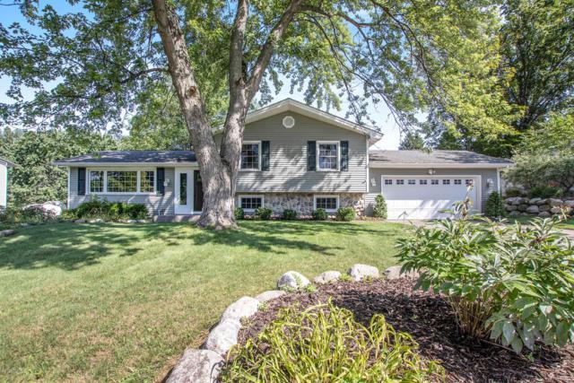 17817 Mohawk Drive, Spring Lake, MI 49456 (MLS #19036261) :: CENTURY 21 C. Howard