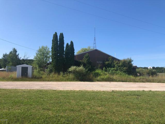 9063 13 Mile Rd, Bear Lake, MI 49614 (MLS #19036405) :: CENTURY 21 C. Howard