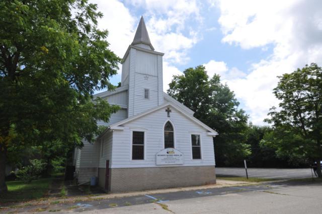 117 S Franklin Street, Lawton, MI 49065 (MLS #19037655) :: Matt Mulder Home Selling Team