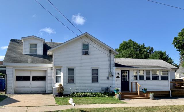 31 W Lowell Street, Pentwater, MI 49449 (MLS #19038458) :: Deb Stevenson Group - Greenridge Realty
