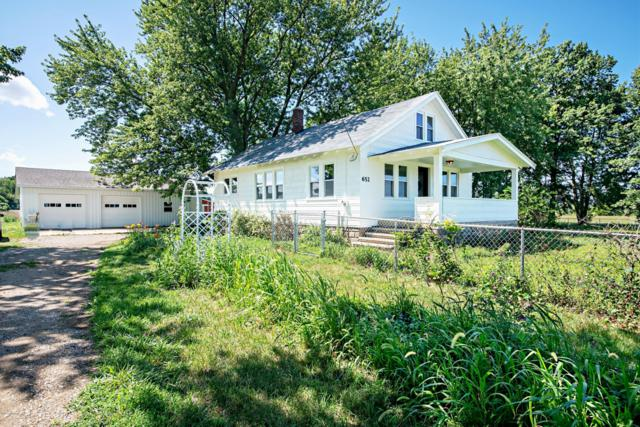 652 W Hinchman Road, Baroda, MI 49101 (MLS #19038499) :: CENTURY 21 C. Howard