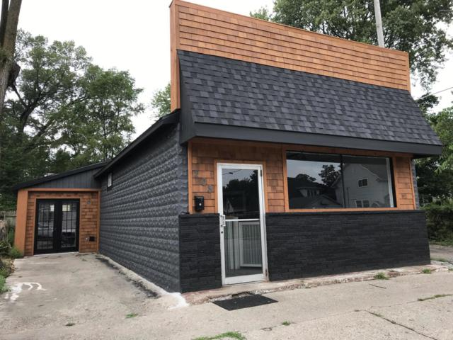 208 Madison Street S, Ludington, MI 49431 (MLS #19038506) :: CENTURY 21 C. Howard