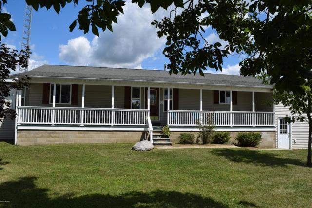 204 W Barnhart Road, Coldwater, MI 49036 (MLS #19038588) :: Deb Stevenson Group - Greenridge Realty
