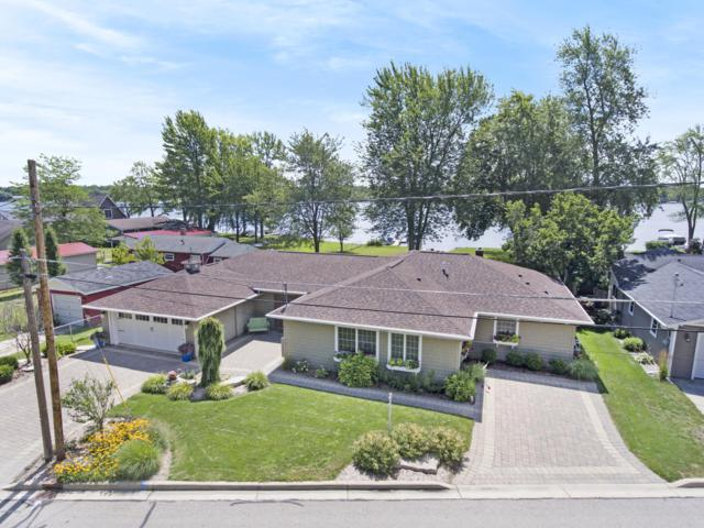 696 Lakeview Drive, Lake Odessa, MI 48849 (MLS #19038814) :: CENTURY 21 C. Howard