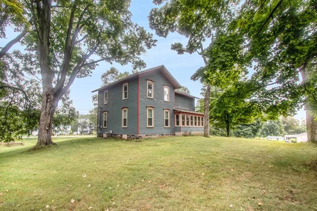 317 E Lincoln Street, Hastings, MI 49058 (MLS #19044713) :: JH Realty Partners