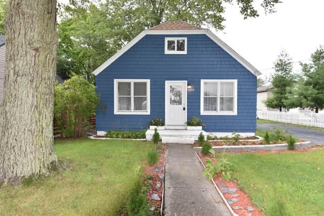 1255 Shonat Street, Muskegon, MI 49441 (MLS #19044717) :: Deb Stevenson Group - Greenridge Realty