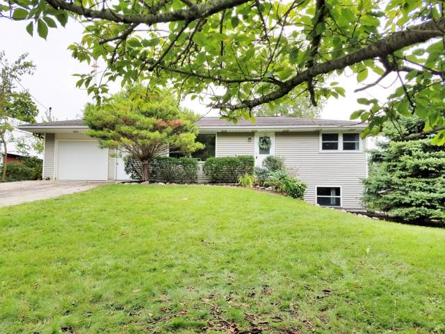 1916 84th Avenue, Zeeland, MI 49464 (MLS #19044729) :: JH Realty Partners