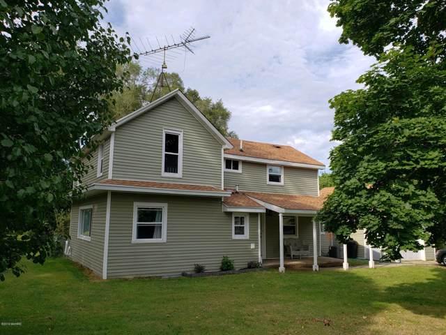 527 W South Street, Hastings, MI 49058 (MLS #19044732) :: Deb Stevenson Group - Greenridge Realty