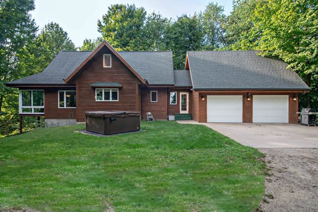 3791 Hochberger Road, Eau Claire, MI 49111 (MLS #19044778) :: Deb Stevenson Group - Greenridge Realty