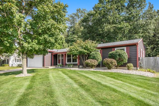 6792 Adaridge Drive SE, Ada, MI 49301 (MLS #19044851) :: JH Realty Partners