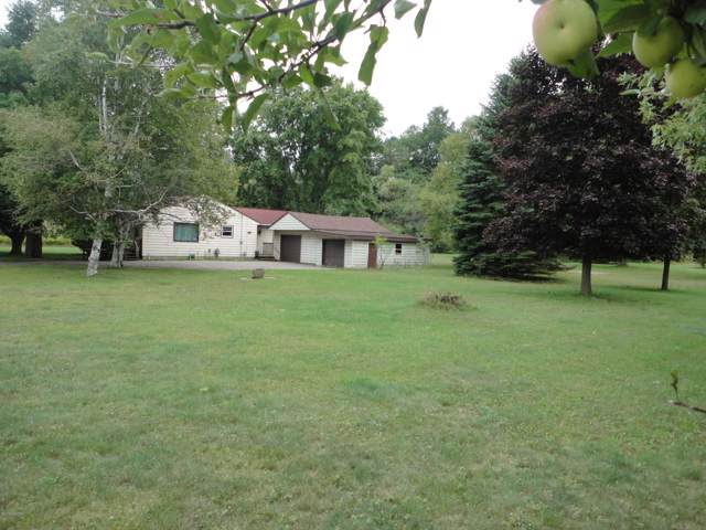 2612 Sherman, Manistee, MI 49660 (MLS #19044909) :: Deb Stevenson Group - Greenridge Realty