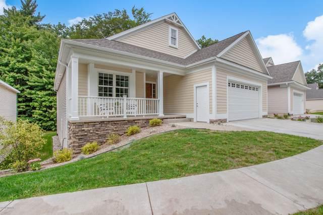 16481 Villa Parkway, Spring Lake, MI 49456 (MLS #19045022) :: CENTURY 21 C. Howard