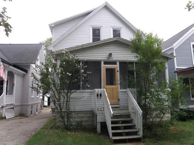 1022 Washington Avenue, Grand Haven, MI 49417 (MLS #19045026) :: JH Realty Partners