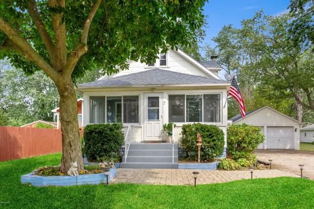 7 Chestnut Street, Three Oaks, MI 49128 (MLS #19045061) :: CENTURY 21 C. Howard
