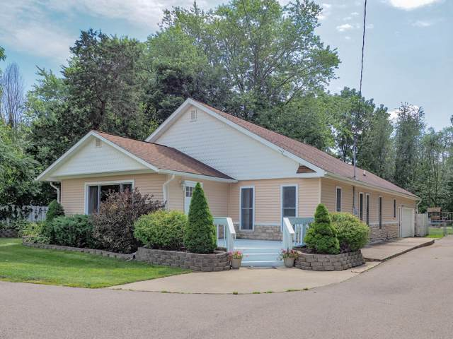 1912 E Centre Avenue, Portage, MI 49002 (MLS #19045150) :: Matt Mulder Home Selling Team