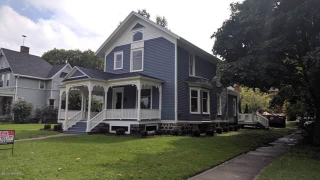 221 W Washington Street, Belding, MI 48809 (MLS #19045299) :: CENTURY 21 C. Howard