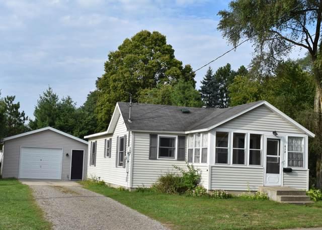 642 W Maple Street, Wayland, MI 49348 (MLS #19045375) :: JH Realty Partners