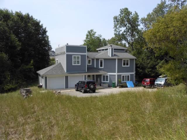19121 Maiden Lane, Spring Lake, MI 49456 (MLS #19045783) :: JH Realty Partners