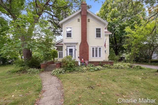 511 W Cass Street, Greenville, MI 48838 (MLS #19045796) :: CENTURY 21 C. Howard