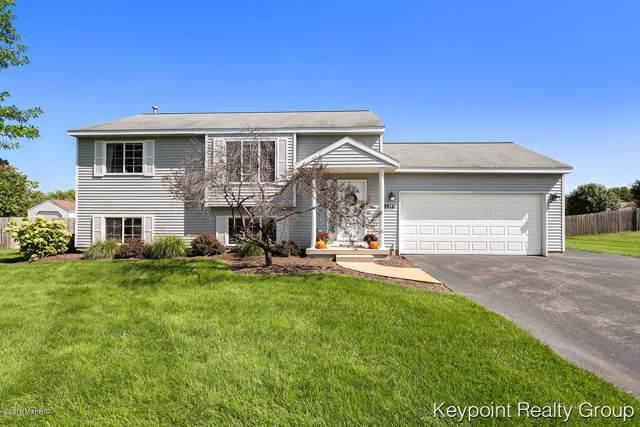 8916 Parker Woods Drive, Sparta, MI 49345 (MLS #19045873) :: Deb Stevenson Group - Greenridge Realty