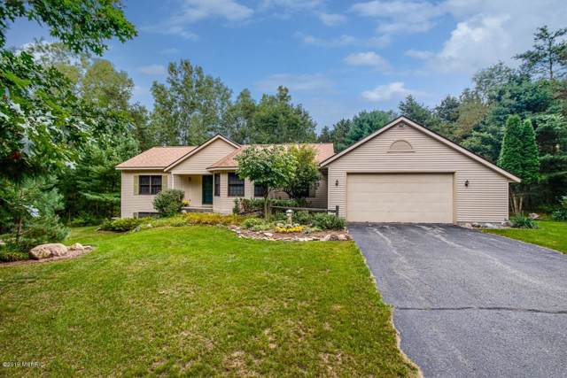251 Greentree Lane NE, Ada, MI 49301 (MLS #19045913) :: JH Realty Partners
