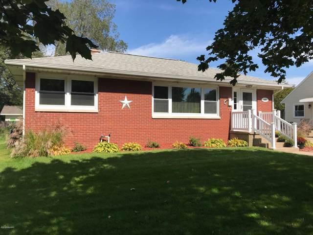 1407 Slayton Street, Grand Haven, MI 49417 (MLS #19046010) :: JH Realty Partners