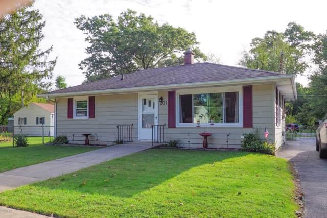 201 S State Street, Paw Paw, MI 49079 (MLS #19046246) :: Deb Stevenson Group - Greenridge Realty