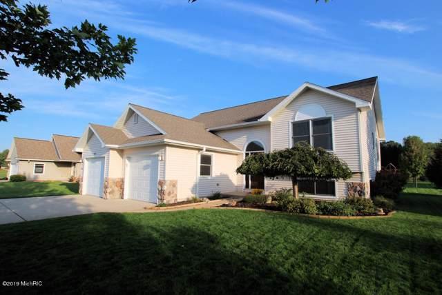 615 W 44th Street, Fremont, MI 49412 (MLS #19046266) :: Deb Stevenson Group - Greenridge Realty